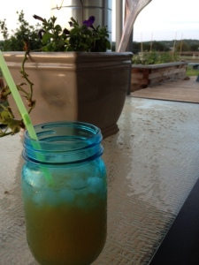 Recipe Photo - Citrus Sweet Tea in a mason jar