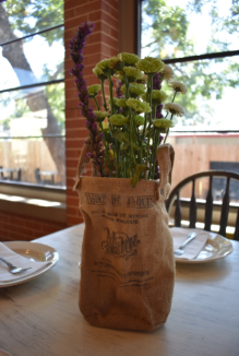 My Farmtastic Life - 2nd Street Provisions - Fresh table flowers